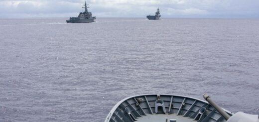 HMAS Arunta podczas ćwiczeń na Pacyfiku. / Zdjęcie: Marynarka Wojenna Australii