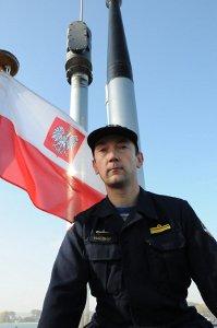 """Dowódca polskiego kontyngentu wojskowego """"Kondor"""" Kmdr. Por. Piotr Pawlowski / Zdjęcie: kondor.mw.mil.pl"""