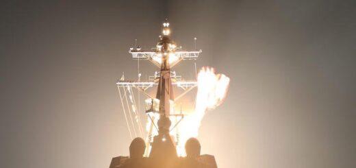 SM-3 Block IIA zostaje wystrzelony z USS John Finn, niszczyciela wyposażonego w system obrony przeciwrakietowej Aegis. / Zdjęcie: Agencja Obrony Przeciwrakietowej