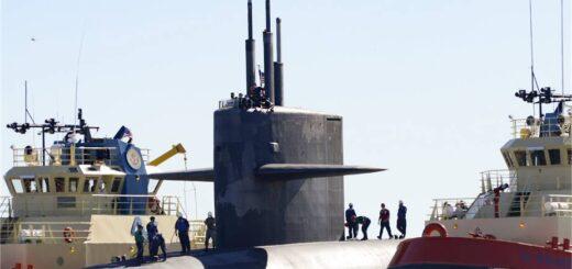 Okręt podwodny z rakietami balistycznymi klasy Ohio, USS Tennessee (SSBN 734), powraca do macierzystego portu w bazie okrętów podwodnych Marynarki Wojennej Kings Bay w stanie Georgia po zakończeniu patrolu. / Zdjęcie: US Navy