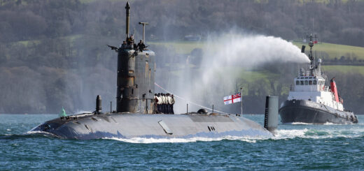Pożegnanie HMS Trenchant. / Zdjęcie: Royal Navy
