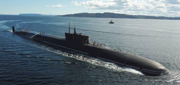 Strategiczny okręt podwodny Knyaz Vladimir o napędzie atomowym. / Zdjęcie: © Lev Fedoseyev / TASS