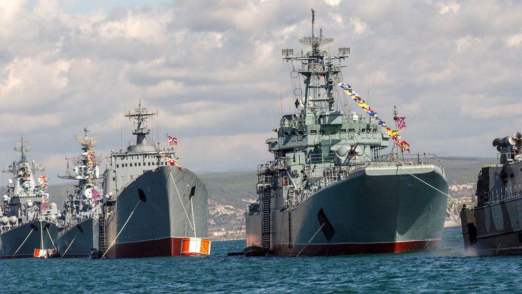 """W najbliższym czasie na wyposażeniu fregat mają znaleźć się hipersoniczne pociski przeciwokrętowe Cyrkon – zapowiadają """"Izwiestija"""". / Zdjęcie: Shutterstock/A_Lesik"""