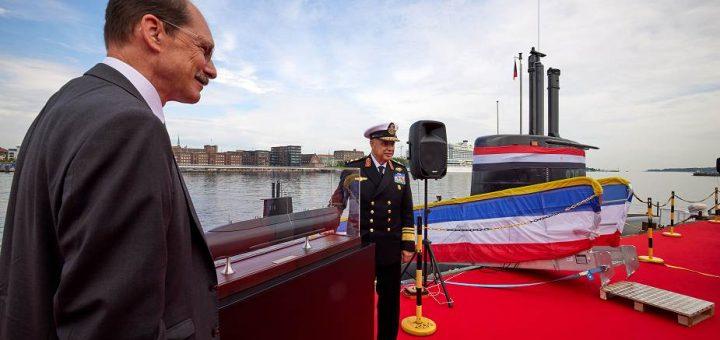 """ThyssenKrupp Marine Systems (TKMS) oficjalnie przekazało marynarce wojennej Arabskiej Republiki Egiptu czwarty okręt podwodny klasy 209/1400mod, nazwany """"S44"""". / Zdjęcie: TKMS"""