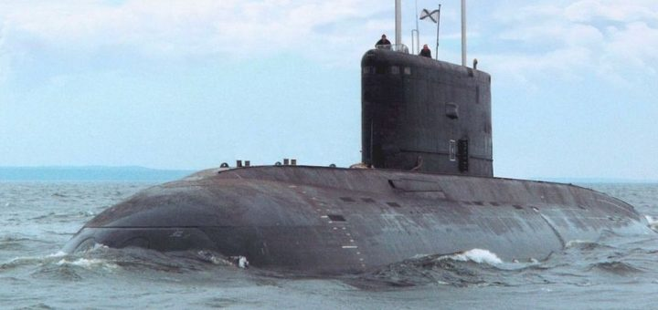 """Okręt podwodny projektu 636.3 """"Warszawianka"""". / Zdjęcie: OCK / United Shipbuilding Corporation"""